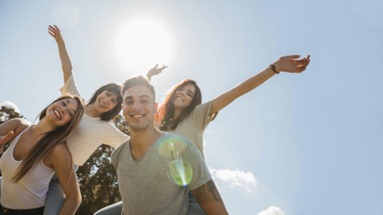 Encontre a felicidade e melhore seu inglês
