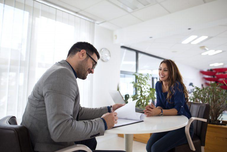 Prepare-se para entrevistas de trabalho em inglês com dicas essenciais